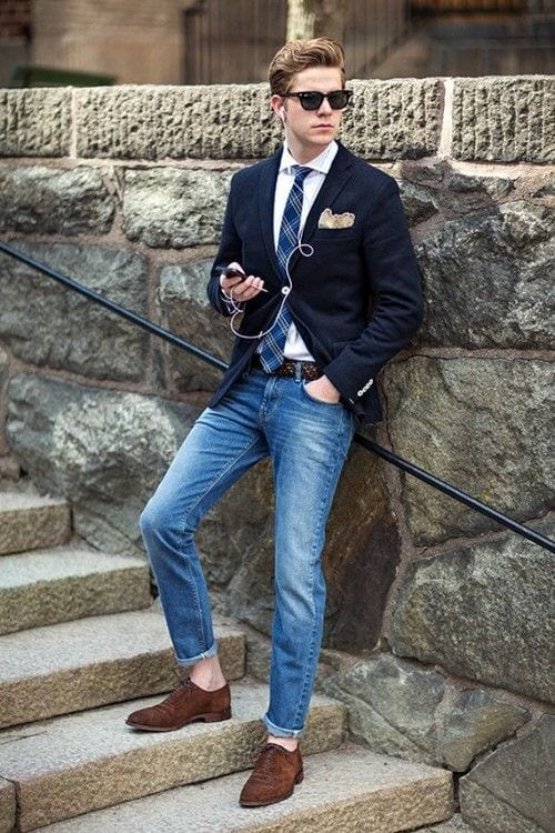 with-tie Men Outfits with Blue Jeans-27 Ways to Style Guys Blue Jeans