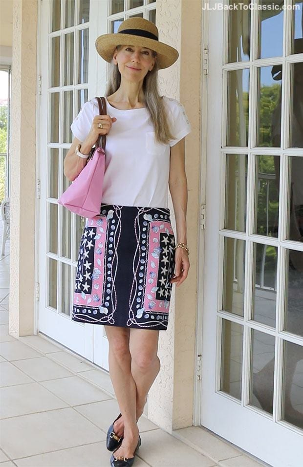 wrap-skirt-with-top 30 Best Summer Outfits for Women Above 50 - Style Tips