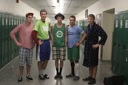 Combine-Sleepwear-With-Normal-Dressing Mismatch Outfits Guys- 25 Ideas What to Wear on Mismatch Day