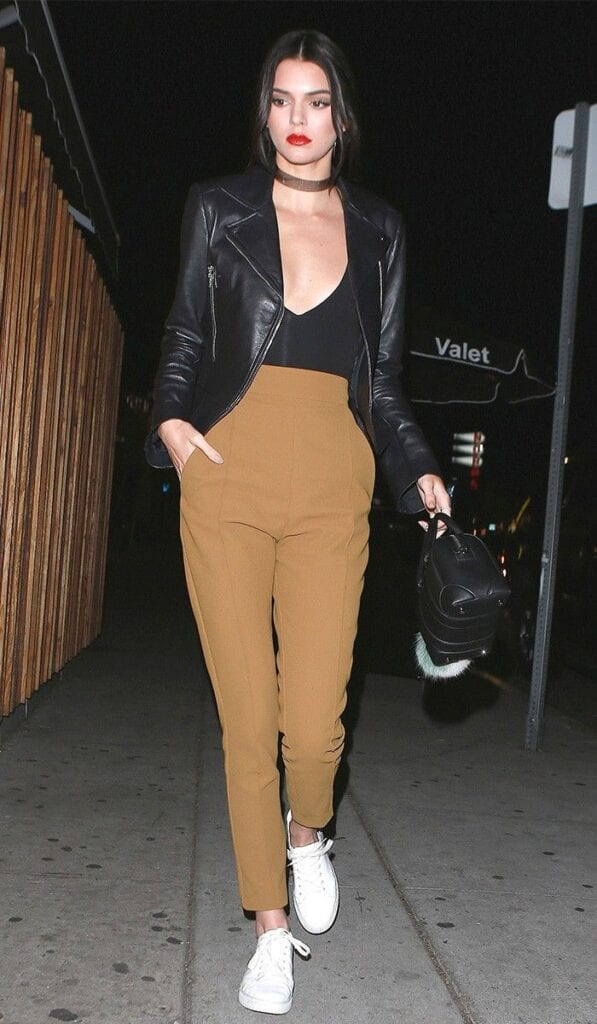 Kendall-Jenner-597x1024 Girls Casual Club Attire-30 Best Casual Outfits for Clubbing