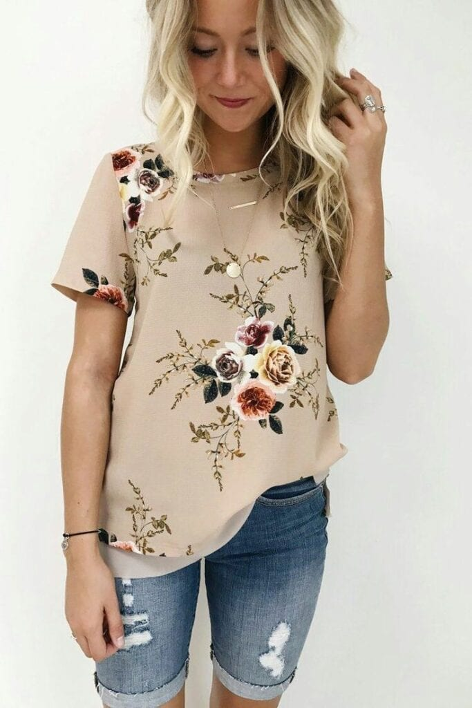 What-To-Wear-With-A-Medium-Length-Floral-Top-683x1024 Girls Floral Blouse Outfits-25 Ways To Style a Floral Blouse