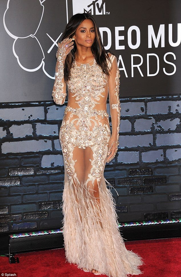 celebrity-style See-Through Outfits Girls-30 Ideas on How to Wear Sheer Outfits
