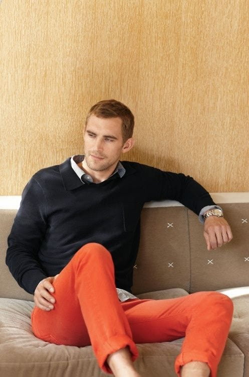 how to wear orange pants for men (28)