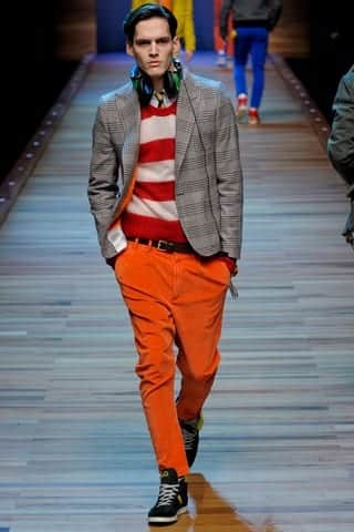 hipster-outfit Men's Orange Pants Outfits-35 Best Ways to Wear Orange Pants