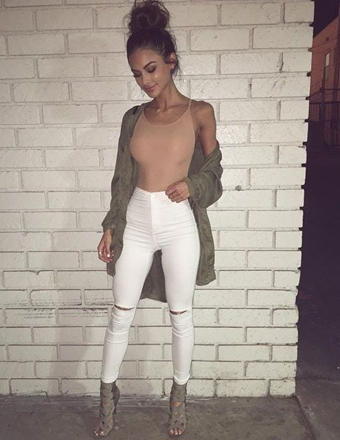 messy-bun Girls Casual Club Attire-30 Best Casual Outfits for Clubbing