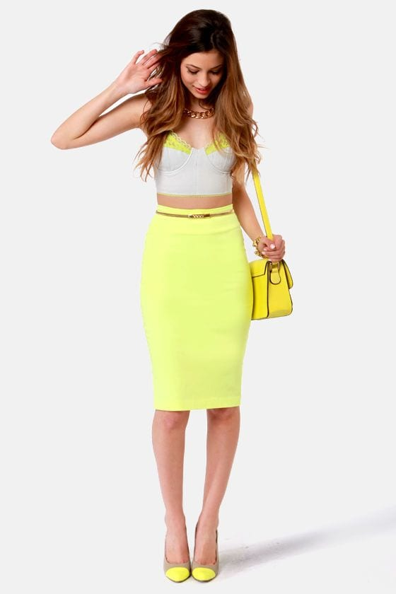 neon-skirt- Girls Casual Club Attire-30 Best Casual Outfits for Clubbing