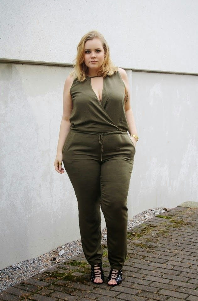 plus-size-jumpsuit Girls Casual Club Attire-30 Best Casual Outfits for Clubbing