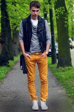 swag-outfit-2 Men's Yellow Pants Outfits-35 Best Ways to Wear Yellow Pants