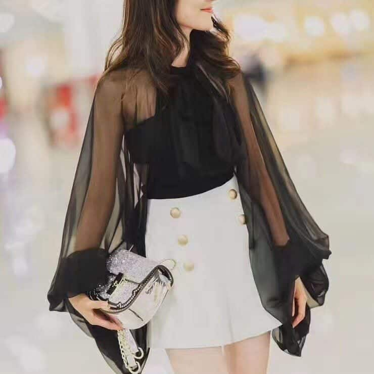 Black-Shirt-With-A-Skirt Girls Black Shirt Outfits-30 Different Ways to Wear Black Shirts