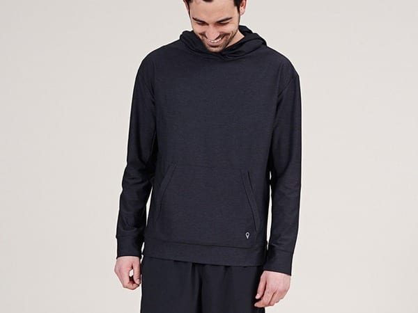 Ways for Men to Wear a Hoodie Stylishly (19)
