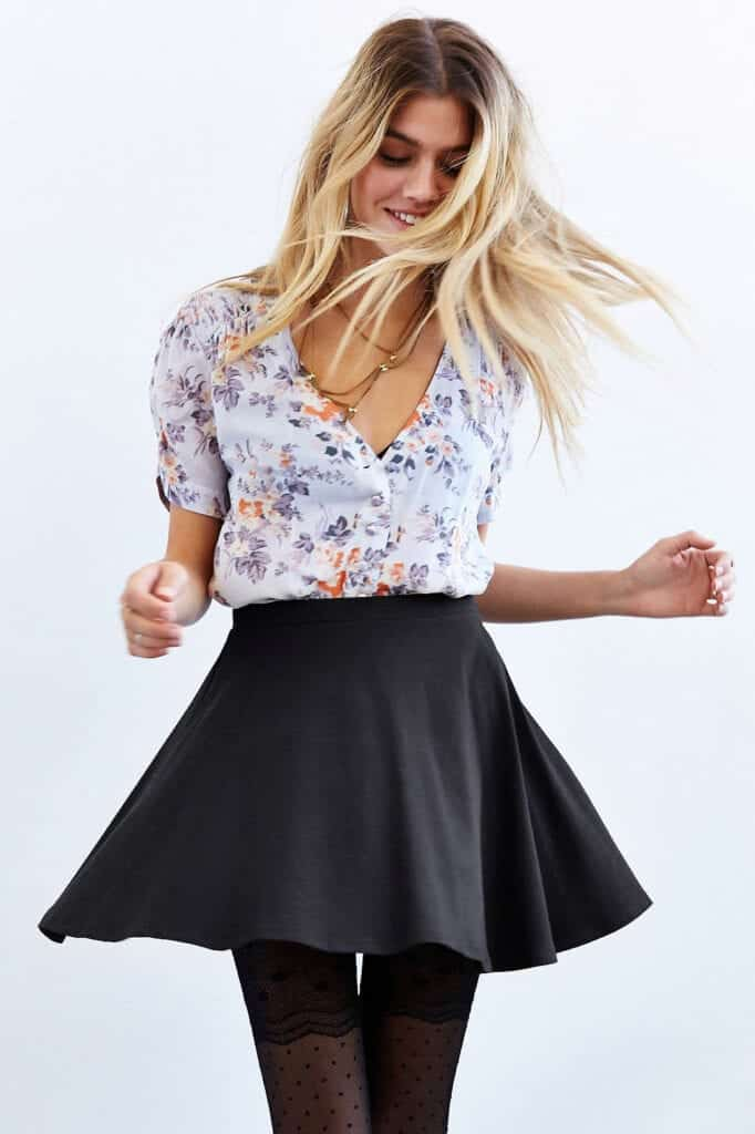 Party-Outfits-For-College-Girls-682x1024 Skirt Outfits for College- 35 Ideas To Wear Skirts To School