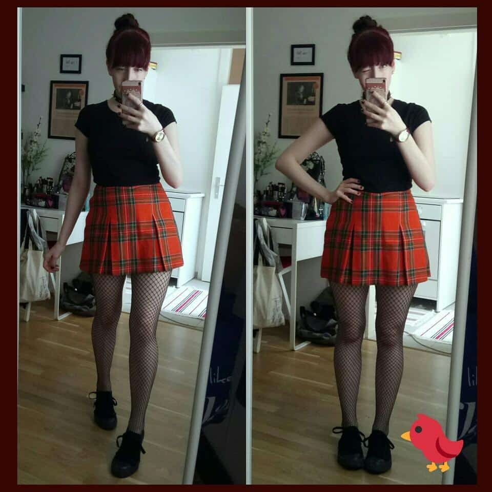 Plaid-Skirt-With-Black-Shirt Girls Black Shirt Outfits-30 Different Ways to Wear Black Shirts