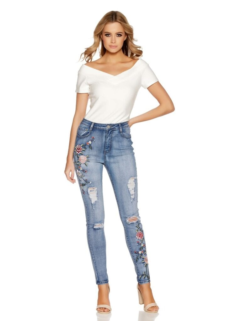 Ripped-Embroidered-Jeans-768x1024 Embroidered Jeans- 27 Ways to Wear Embroidered Jeans to Work