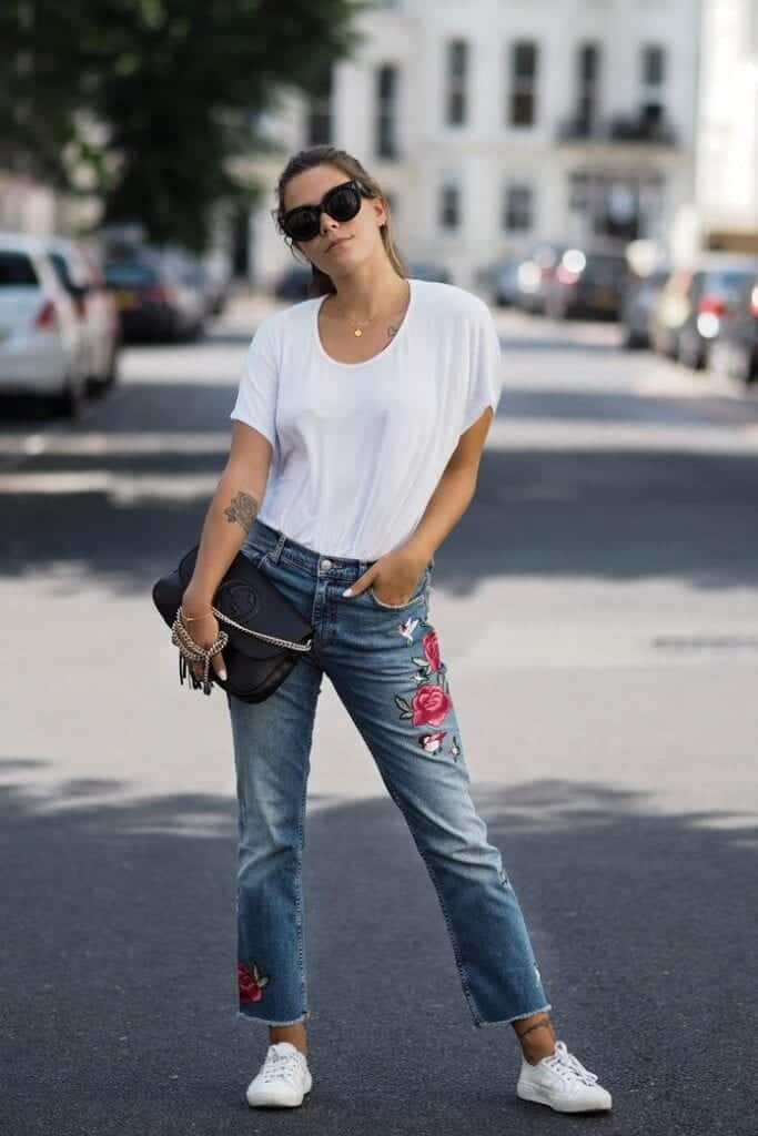 Simplest-Look-using-Embroidered-Jeans-683x1024 Embroidered Jeans- 27 Ways to Wear Embroidered Jeans to Work