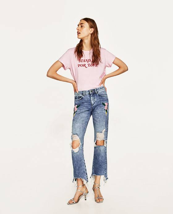 SummerSpring-Attire-with-Embroidered-Jeans Embroidered Jeans- 27 Ways to Wear Embroidered Jeans to Work