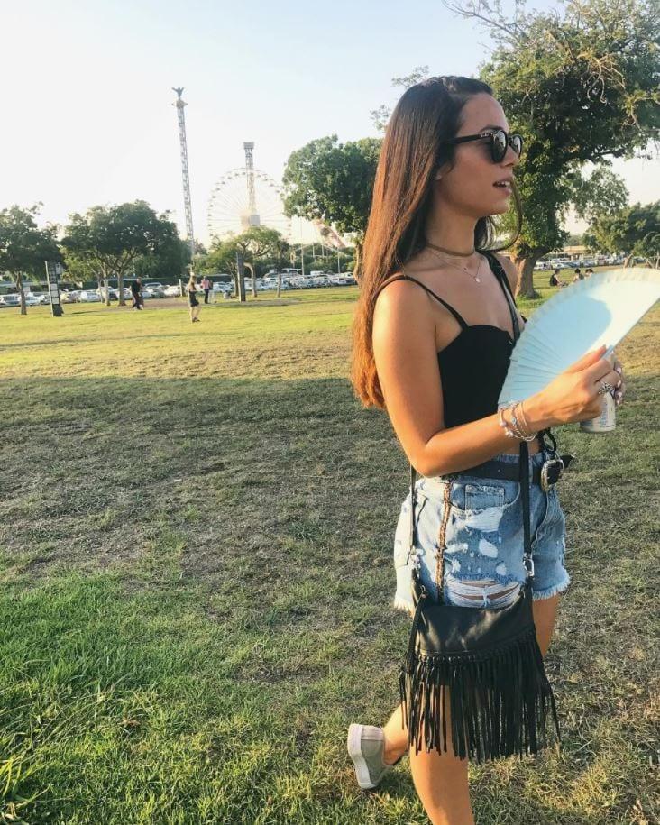 Beautiful Coachella Outfits for Girls (21)