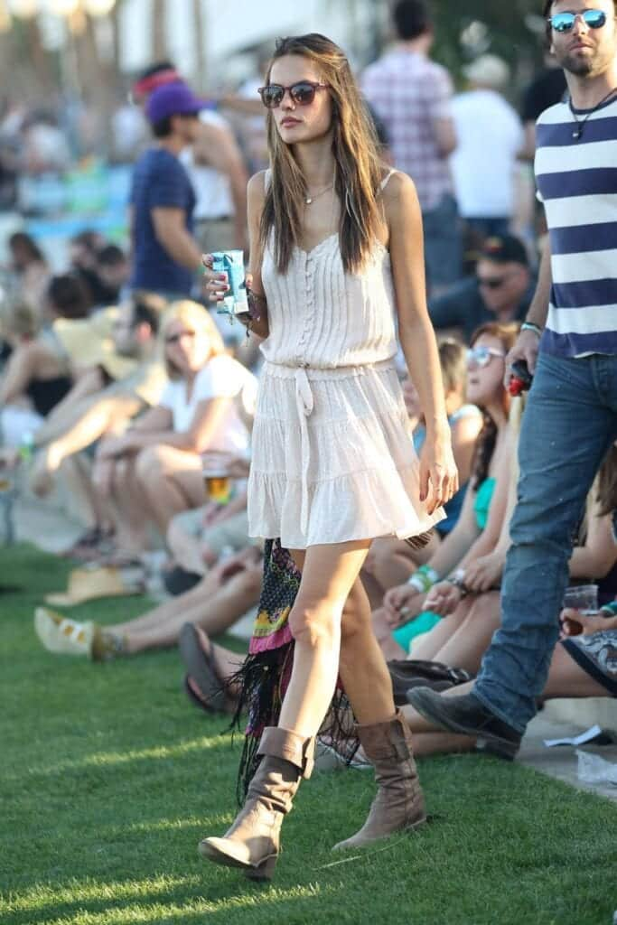 Coachella Outfits For Girls-27 Ideas What To Wear To Coachella