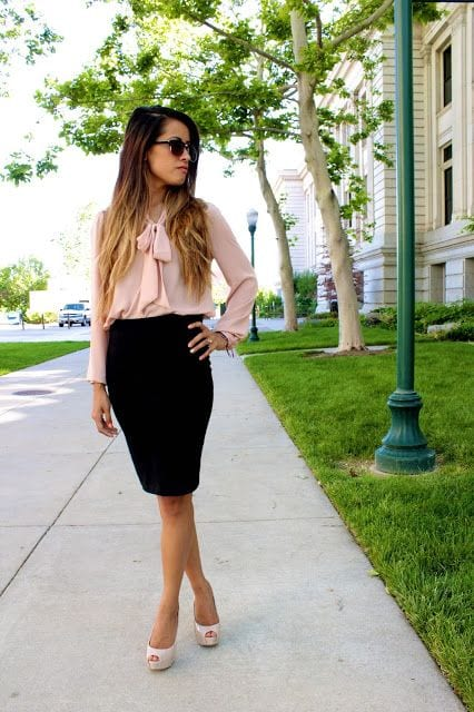 Tops-To-Wear-With-Pencil-Skirts Skirt Outfits for College- 35 Ideas To Wear Skirts To School
