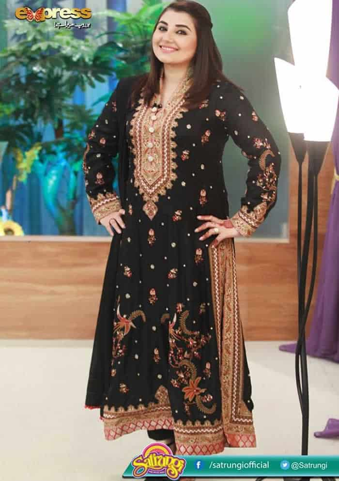 Valima-Outfits-For-Plus-Size-Pakistani-Girl-s Curvy Pakistani Girls Fashion-25 Plus Size Outfits For Girls