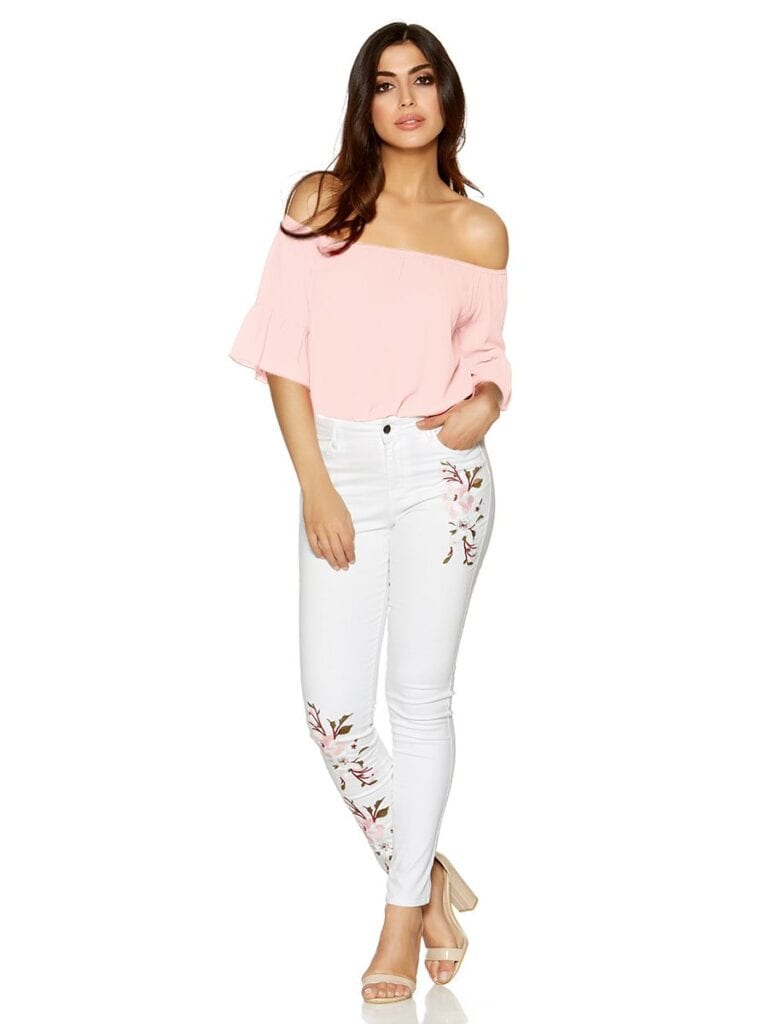 White-Embroidered-Skinny-Jeans-768x1024 Embroidered Jeans- 27 Ways to Wear Embroidered Jeans to Work