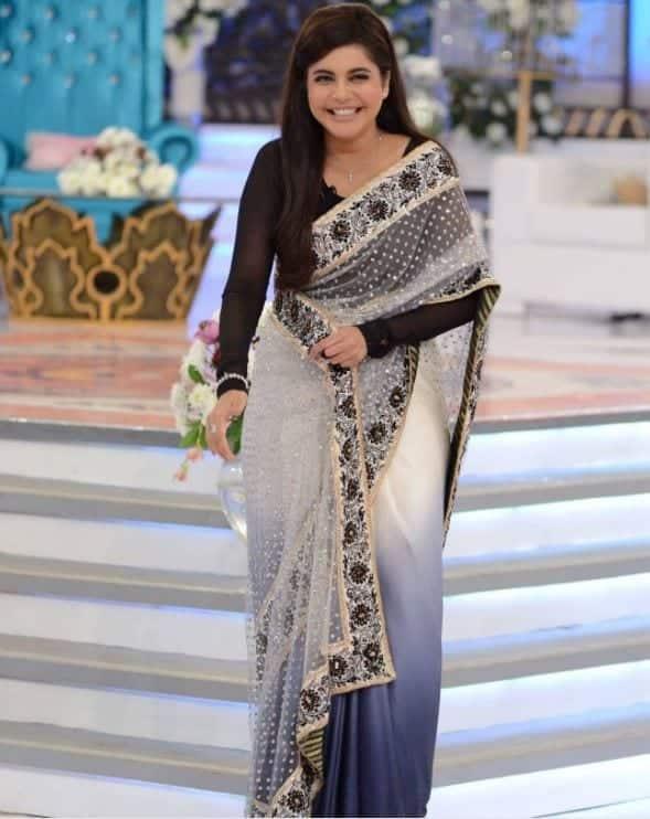 embellished-design 20 Elegant Outfits for Pakistani Women Over 30