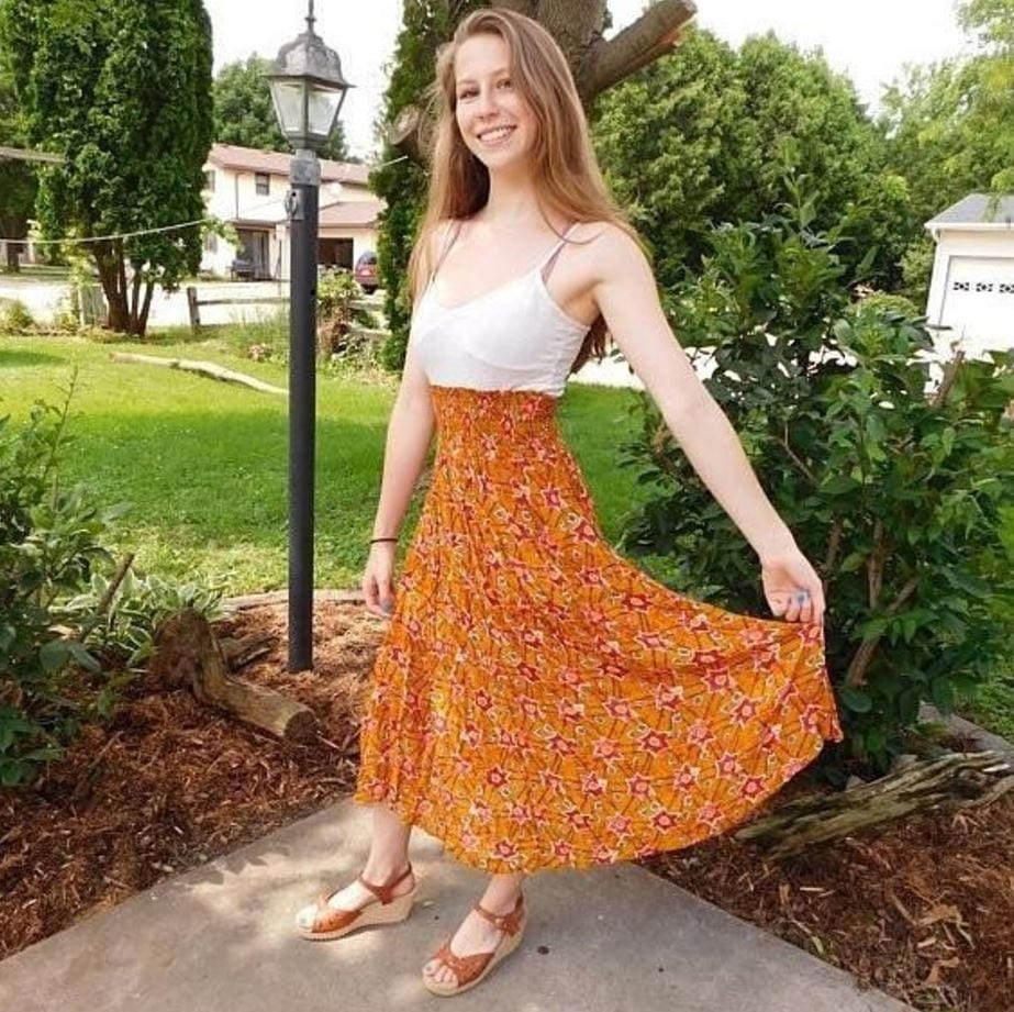orange-high-waisted-skirt Orange Skirt Outfits - 27 Ideas on How to Wear Orange Skirts