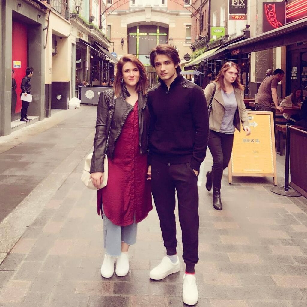 Ali-Zafar-And-Nida-Fazli-1024x1024 Pakistani Couple Outfits-25 Best Outfits Of Pakistani Celebrities