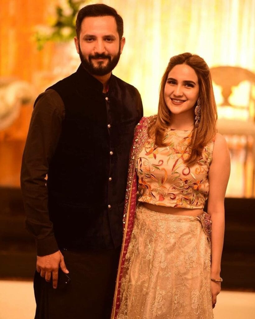 Anoushey-Abbasi-And-Ainan-Arif-820x1024 Pakistani Couple Outfits-25 Best Outfits Of Pakistani Celebrities