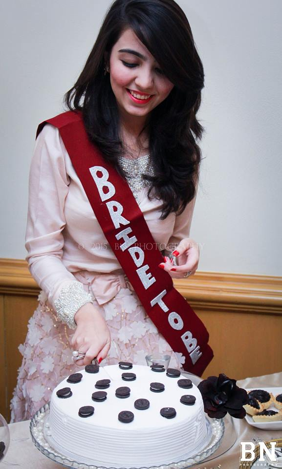 Bridal-Shower-Makeup-For-Pakistani-Weddings-3 30 Best Bridal Shower Outfits For Pakistani Weddings