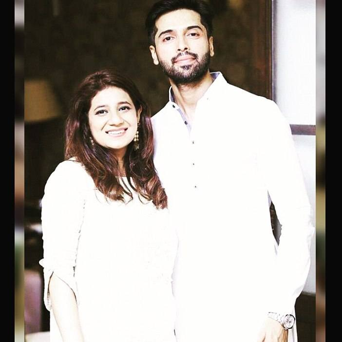 Fahad-Mustafa-With-Wife Pakistani Couple Outfits-25 Best Outfits Of Pakistani Celebrities