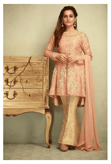 Luxurious-Eid-Outfit-for-Short-Pakistanis 20 Classy Outfits for Pakistani Girls with Short Height