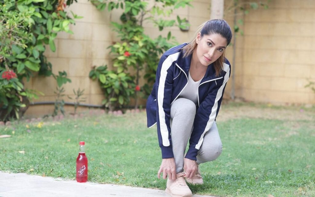 Mehwish-hayat-Sporty-Outfit-2-1024x641 Sporty Outfits For Pakistani Girls-20 Cool Gym Looks For Girls