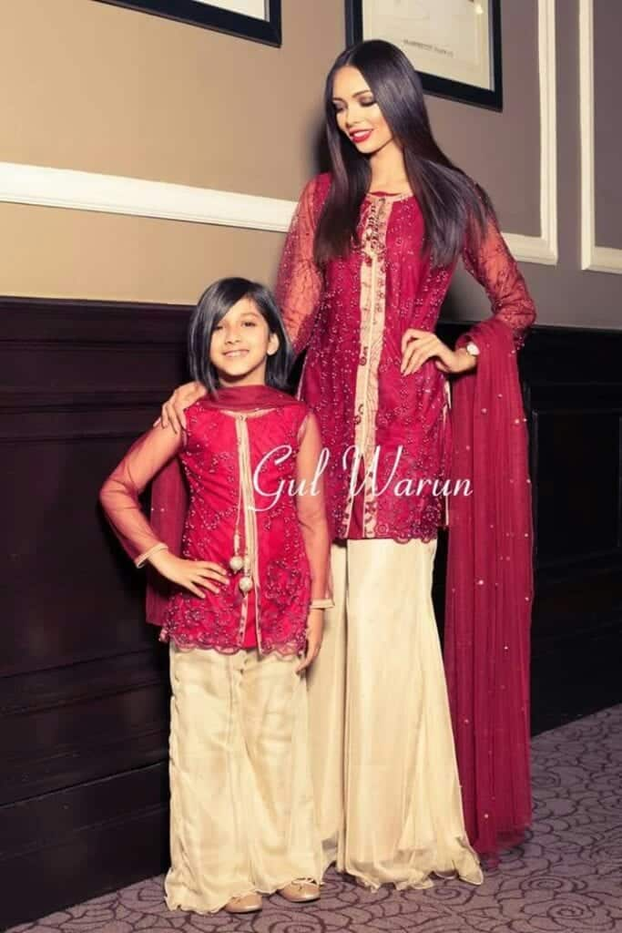 Mom-and-Minnie-Me-Twinning-Gharara-Outfit-Pakistani-683x1024 20 Coolest Pakistani Mother Daughter Matching Outfits
