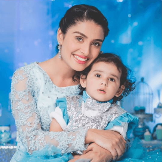 Pakistani Mother Daughter Outfits (3)