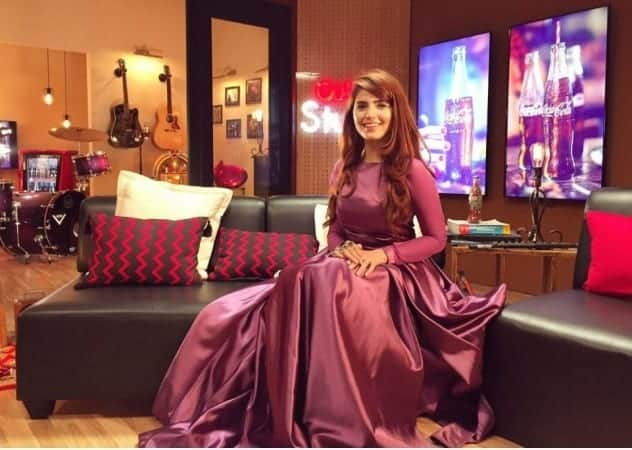 Royal-Maxi-Style-Outfit-for-Parties-for-Pakistani-Girl 30 Trending Party Outfits for Pakistani Girls