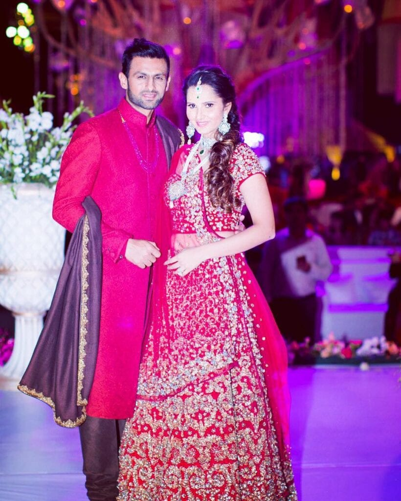 Shoaib-Malik-And-Sania-Mirza-2-820x1024 Pakistani Couple Outfits-25 Best Outfits Of Pakistani Celebrities