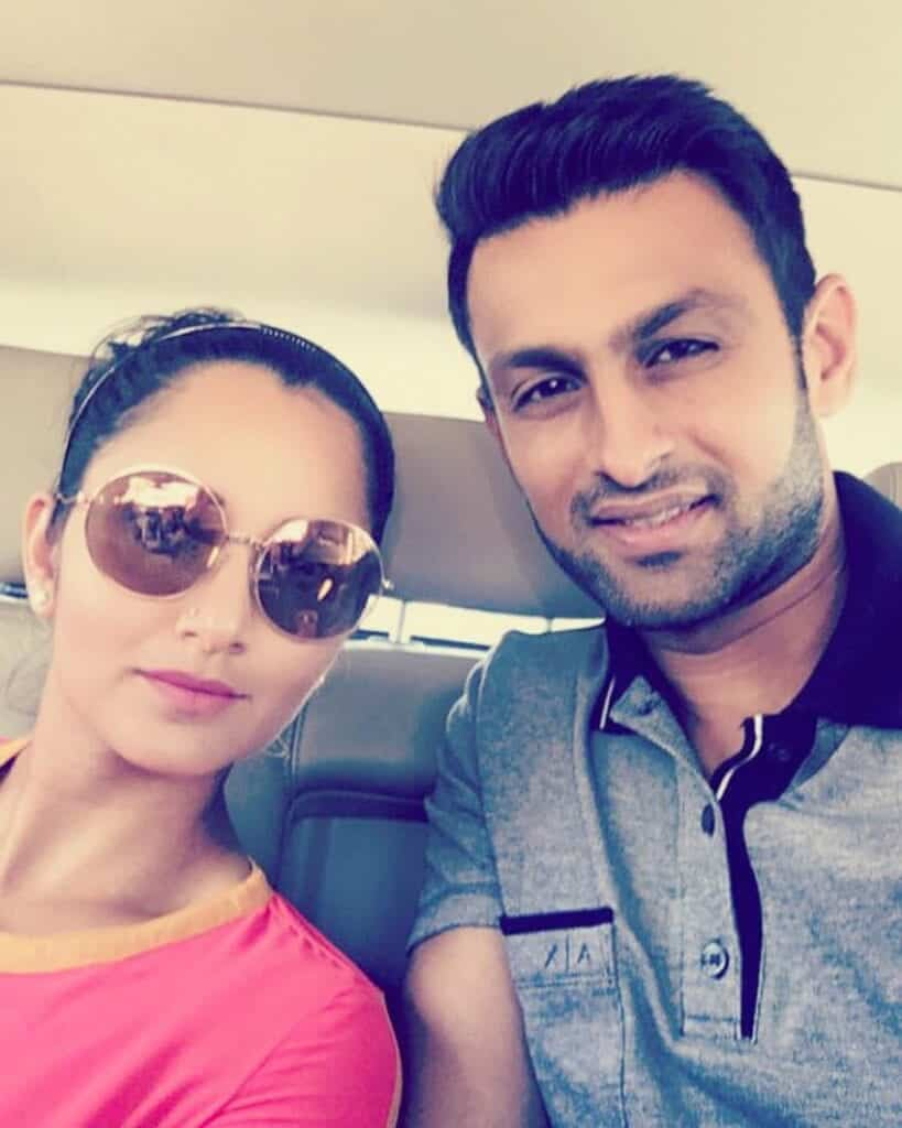 Shoaib-Malik-And-Sania-Mirza-3-819x1024 Pakistani Couple Outfits-25 Best Outfits Of Pakistani Celebrities