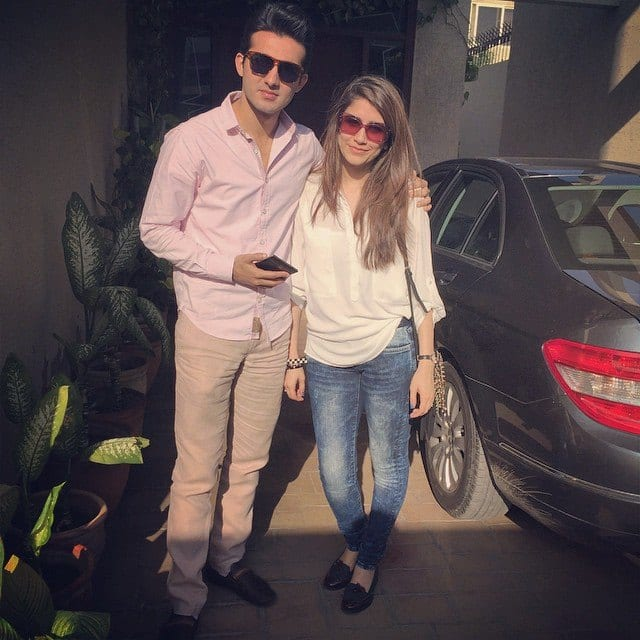 Syra-Sheroz-And-Sheroz-Sabazwari-3 Pakistani Couple Outfits-25 Best Outfits Of Pakistani Celebrities