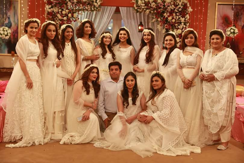 Ultimate-Bridal-Shower-Look-for-Pakistani-Girl 30 Trending Party Outfits for Pakistani Girls