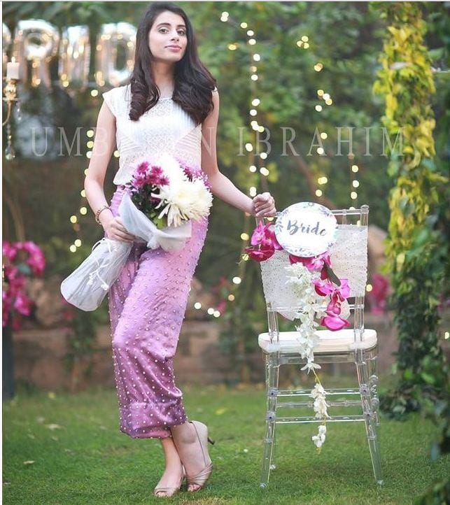 Unique-Bridal-Shower-Outfit 30 Best Bridal Shower Outfits For Pakistani Weddings