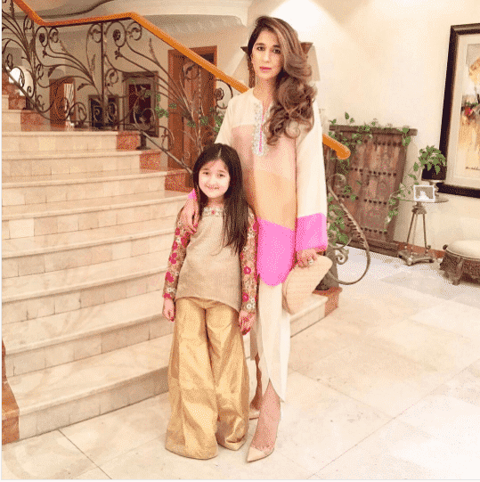 Pakistani Mother Daughter Outfits (2)