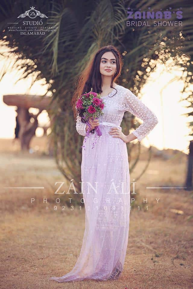 bridesmaid-outfit-for-bridal-shower-pakistan 30 Best Bridal Shower Outfits For Pakistani Weddings