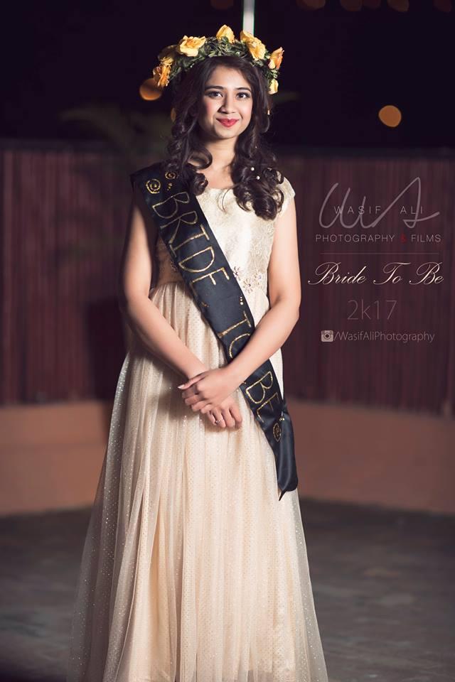 pakistani-bridal-shower-outfit-idea 30 Best Bridal Shower Outfits For Pakistani Weddings