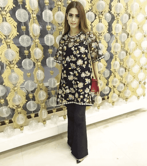 pakistani-party-outfits 30 Trending Party Outfits for Pakistani Girls