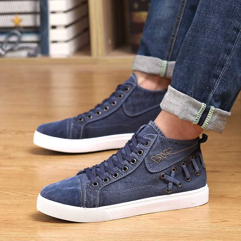 Denim-Shoes-Sockless-Style Mens Sockless Guide-27 Ways for Men to Wear Shoes without Socks