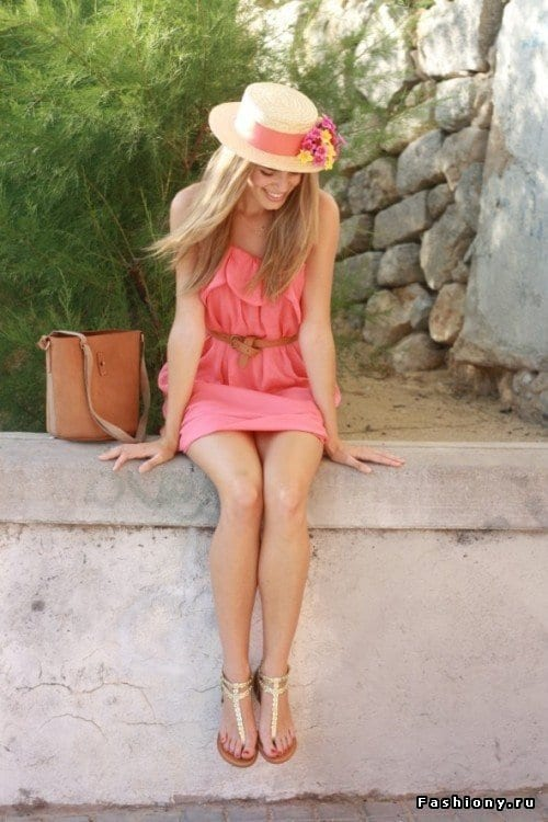 What-to-Wear-with-Floral-Straw-Made-Hats Straw Hat Outfits - 20 Ways to Wear a Straw Hat This Summer