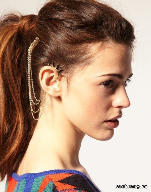 Earrings-to-Wear-with-Casual-Outfits 19 Cute Ways to Wear Earrings with Long Hairs