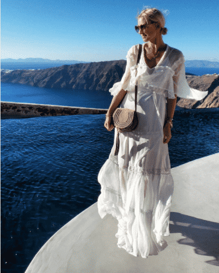How-to-Pull-Off-an-All-White-Silk-Dress Women's Silk Outfit Ideas-23 Best Ways to Style Silk Outfits
