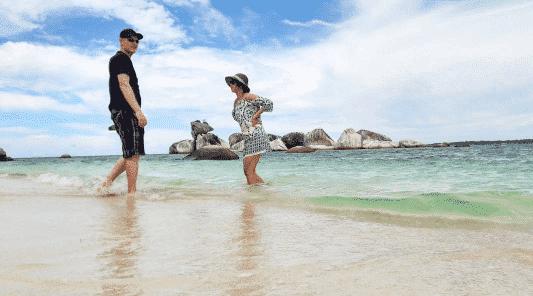 honeymoon-outfit-for-the-beach Men Honeymoon Outfits-20 Men's Outfits to Pack for Honeymoon