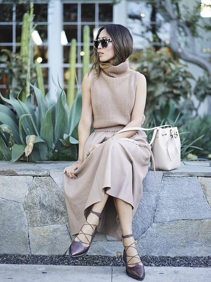 tt8 Women Turtleneck Outfits-23 Ideas How To Style a Turtleneck